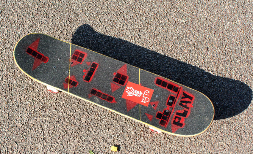 Dessus : Montage de la board Korro avec design Play 2