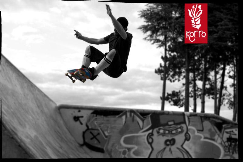 Ollie Frontside de Gontran Au skatepark de Magny les Hameaux, Yvelines